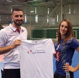 stage-handball-dumoulin-fille-300x296